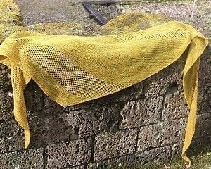 Strick- und Häkelanleitungen Tücher und Schals