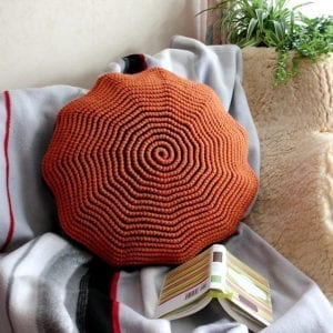 Häkelanleitung Twisted Spiral Pillow von Mareike Meyer / The Yarn Adventurer