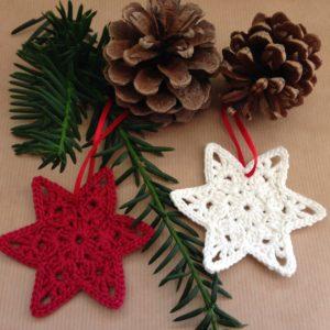 Häkelanleitung Weihnachtsstern Sternanhänger von The KnitKnotShop