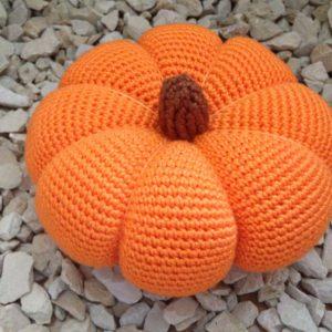 Häkelanleitung Halloweenkürbis Pumpkin von The KnitKnotShop