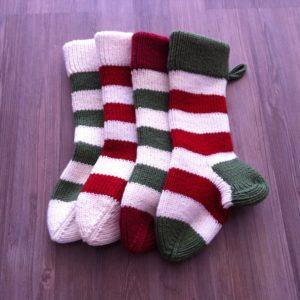 Strickanleitung Nikolausstiefel Weihnachten von The KnitKnotShop