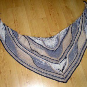 Strickanleitung Dreieckstuch Felsformation von Marianne Radeloff / Knitteltante